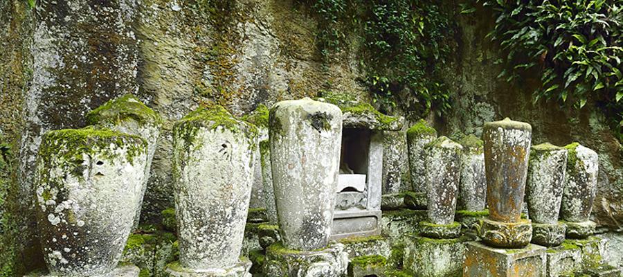 西念寺歴代住職の墓
